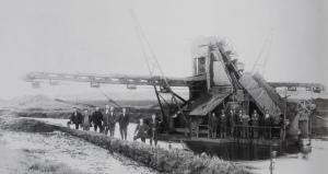 Opgravning - uddybningsmaskine 1929 (3) komprimeret